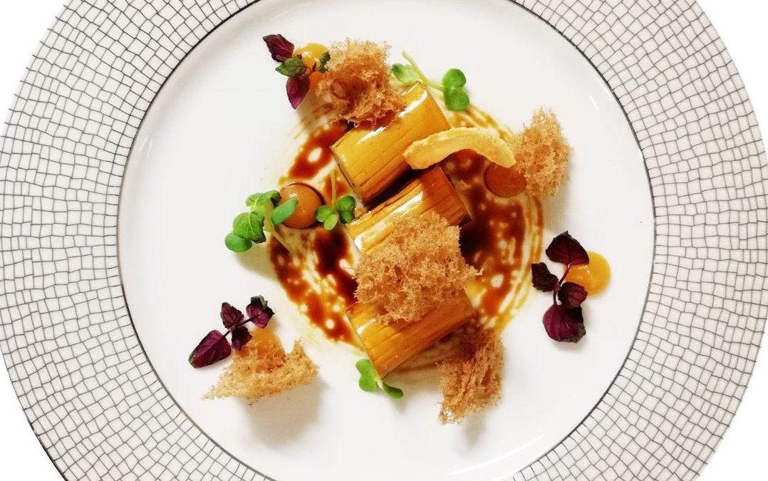 Cannelloni di foie gras, riduzione di balsamico e frutto della passione, giochi di spezie, purea di mela e zenzero di Paolo Longoni