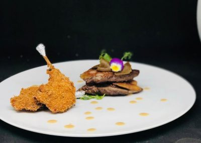 Cofanetto di piccione ripieno al foie gras e tartufo nero con le sue coscette croccanti e ristretto di torcolato di Eleonora Andriolo