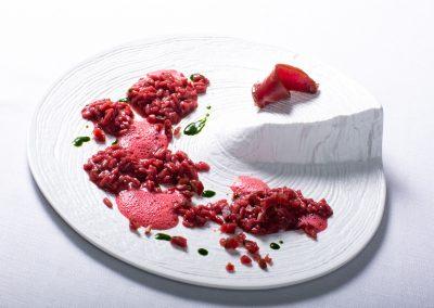 Scena di caccia: Riso ai frutti rossi e Capriolo marinato alle spezie di Federico Pettenuzzo